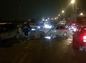 В Ростове на Королева произошло массовое ДТП: столкнулись 4 автомобиля