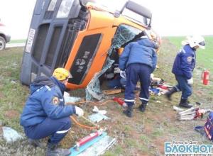 В Зимовниковском районе опрокинулся большегруз «МАН» с 20 тоннами битума