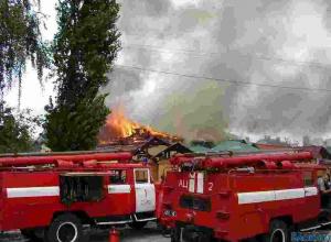 Склад  лакокрасочной продукции горит в Ростовской области