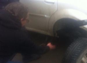 Потерявший на дороге колесо водитель не смог пройти квест в Ростове