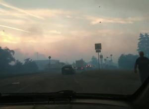 Тысяча человек третьи сутки не могут потушить страшный пожар в Ростовской области