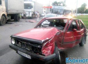 Лихач сбил дальнобойщиков в Ростове-на-Дону