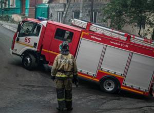 Дом женщины-пьяницы вспыхнул ярким пламенем в Ростовской области