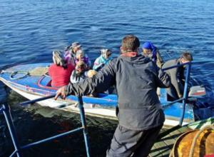 Дыбом стали волосы на голове пассажиров переполненной лодочки, стремящейся ко дну под Ростовом