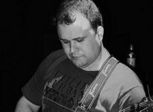 Гитарист скончался после жесточайшего избиения возле кафе Ростова