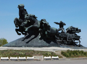 Платов, Чехов и казаки: кому и чему посвящены памятники в Ростовской области