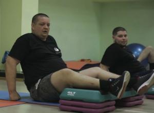 Противный жир уходит с реками пота у участников «Сбросить лишнее»