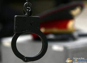 В Ростове в отношении экс-начальника отдела по борьбе с оргпреступностью возбуждено дело по трем статьям