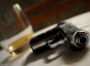 Обнаруженный с простреленной головой следователь полиции скончался в больнице Ростовской области