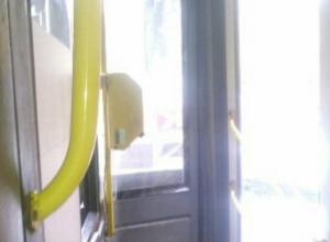 Жуткую истерику закатил за «нерасторопность» слепой женщине водитель автобуса в Ростове