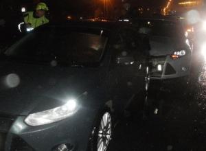 В Ростовской области тягач «Мерседес» спровоцировал тройное ДТП