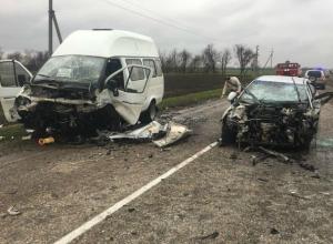 Три человека погибли в ужасающем ДТП с маршрутной «Газелью» под Ростовом