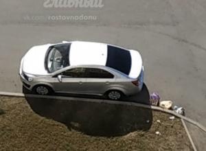 «Мусорная кара» от коммунальщиков настигла любителей парковаться не по правилам