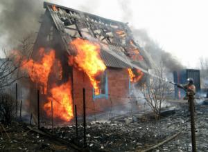Мужчину покалечило взорвавшимся газовым баллоном в частном доме Ростовской области