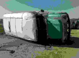 Автобус с шахтерами перевернулся в Ростовской области: 16 пострадавших
