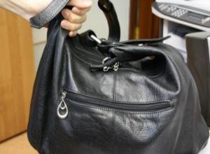 Женщина-прокурор лишилась служебного удостоверения в свой профессиональный праздник в Ростове