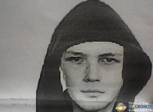 В Ростове появились ориентировки на убийцу, зарезавшего 17-летнего парня на Темернике