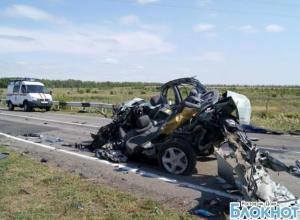 В Ростовской области в ДТП погибла молодая женщина