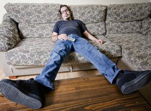 Вакансию мечты «испытатель диванов» предложили красивым и общительным жителям Ростова