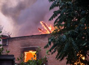 Пенсионерка спасла парализованного мужа во время страшного пожара в Ростове