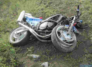 Байкер на Suzuki совершил ДТП под Ростовом: 1 погиб, 7 пострадало (ФОТО)