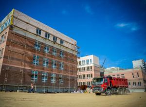 Строительство новой школы в микрорайоне Суворовский завершат к весне в Ростове