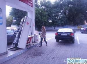 «Лукойл» подает в суд на ростовчанку, вырвавшую бензоколонку