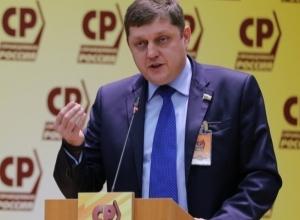 Олег Пахолков: Господа чиновники, предприниматели начнут платить налоги, когда вы перестанете их доить