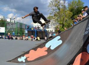 Заменить разбитую спортивную зону новым кластером предложили в центре Ростова