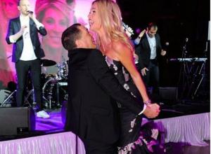 Виктория Лопырева исполнила провокационный танец с телеведущим Александром Любимовым