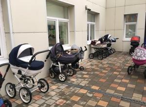 Желающая поиграть в «дочки-матери» 40-летняя жительница Ростова нагло увезла припаркованную детскую коляску