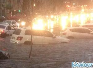 В Ростове после дождя машины плыли в центре города и на окраинах
