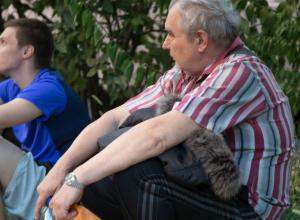 Мародеры лишают последних ценностей погорельцев с Театральной площади Ростова