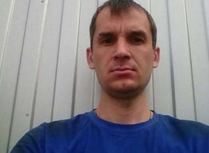 Молодого мужчину с особой приметой разыскивают на улицах Ростова