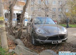 В Ростове задержали банду студентов, на счету которых более 60 разбоев и угонов элитных авто
