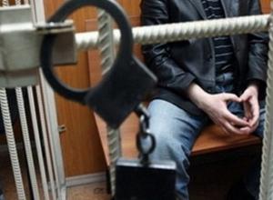 В Ростове-на-Дону мужчина порезал ножом мать и деда
