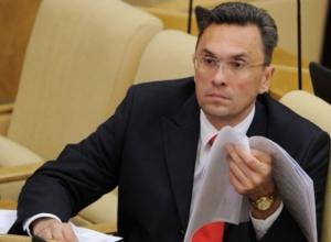 СК РФ: депутат Бессонов умышленно затягивает ознакомление с материалами дела о потасовке в Ростове