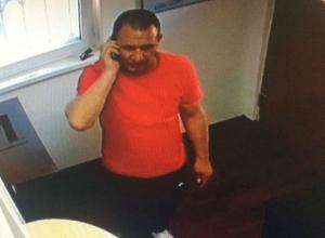 Мужчину с потрясающе ловкими руками фокусника «поймала» камера видеонаблюдения ломбарда в Ростове