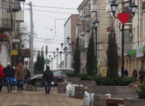 Власти Ростова решили потратить на закупку гранитных урн полмиллиона рублей