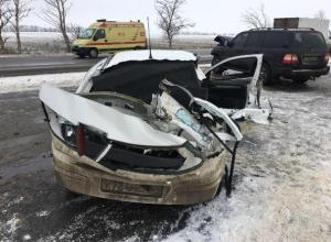 Пострадавший в тройном ДТП водитель опасается превратиться в виновника аварии под Ростовом
