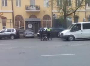Забавная погоня гаишника за мотоциклистом в Ростове попала на видео