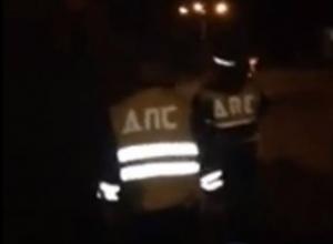 Разборки с вооруженными автоматом полицейскими попали на видео в Ростовской области