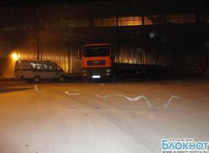 В Таганроге водитель большегруза «МАН», двигаясь задним ходом, насмерть сбил пешехода