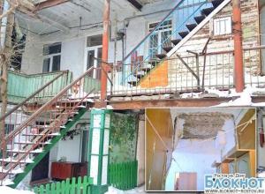 В Ростове из-за прорыва трубы отопления залило кипятком квартиры жильцов в доме на Станиславского
