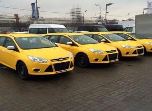 С 1 января 2018 года в Ростове-на-Дону автомобили такси должны быть только белыми или желтыми