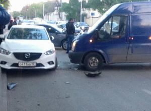 Вздумавший проскочить на «красный» водитель автобуса спровоцировал ДТП с пострадавшим в Ростове
