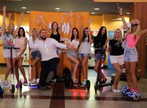 Предпоследнее - спортивное - испытание преодолели участницы конкурса «Мисс Блокнот Ростов-2017»