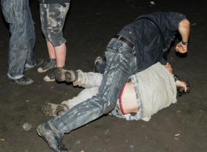 Два роковых удара по лицу от дворового шашлычника отправили в морг жителя Ростовской области