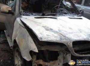 В Ростове-на-Дону из-за поджога «BMW-Х5» сгорели еще пять иномарок
