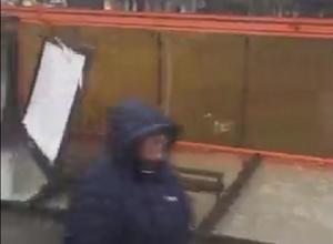 Уничтоженная ударом стихии автобусная остановка в Ростове попала на видео